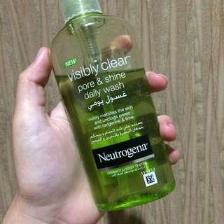 Neutrogena Visibly Clear Daily Wash