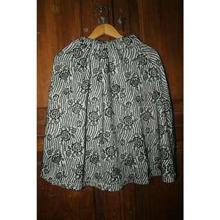 #diskonnih Grey Flowery Skirt