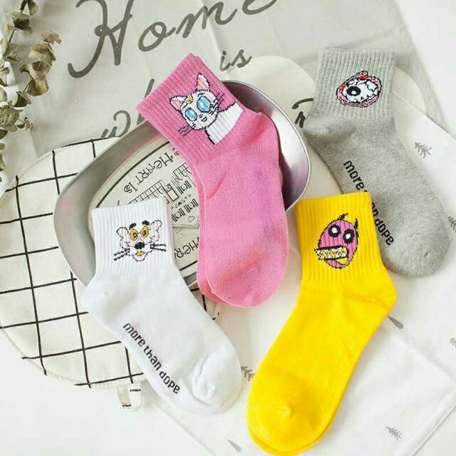 👟創意搞怪中筒襪子