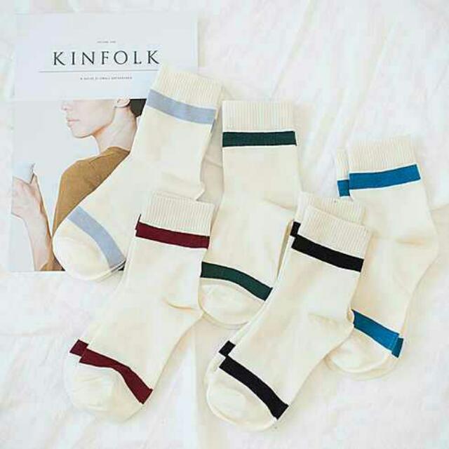👞米白條紋中筒襪子