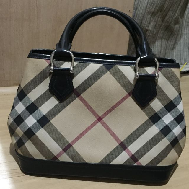 ❣RESERVE❣Authentic Burberry Handbag