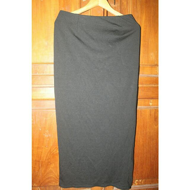 [ REPRICE] Black Slit Zipper Long Skirt