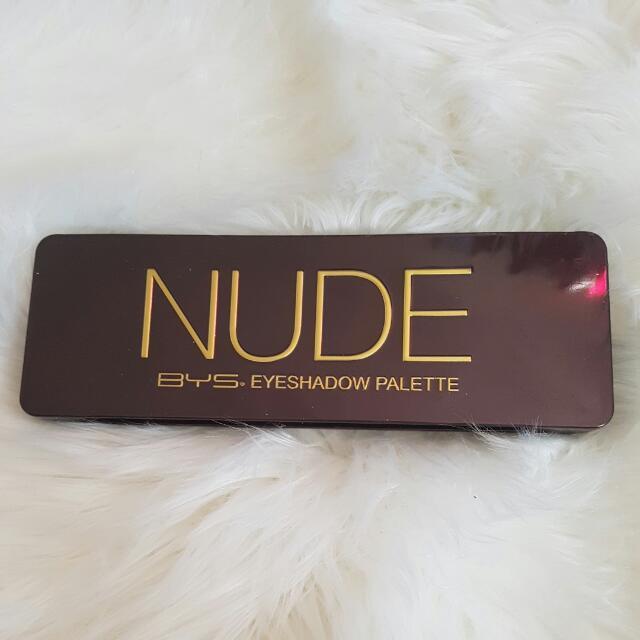 Bys Nude Eye shadow Pallette