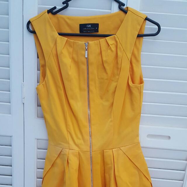 Cue Front Zip Dress - Size 6