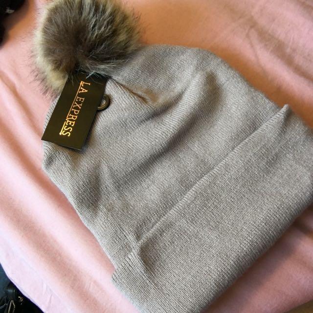 Hat W/ Pom Pom