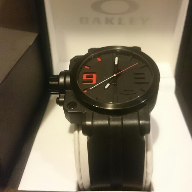 Oakley Gearbox Stealth Watch
