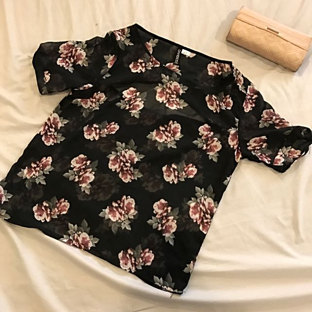 SUPER CUTE H&M FLORAL SHIRT WITH BACK CUT-OUT