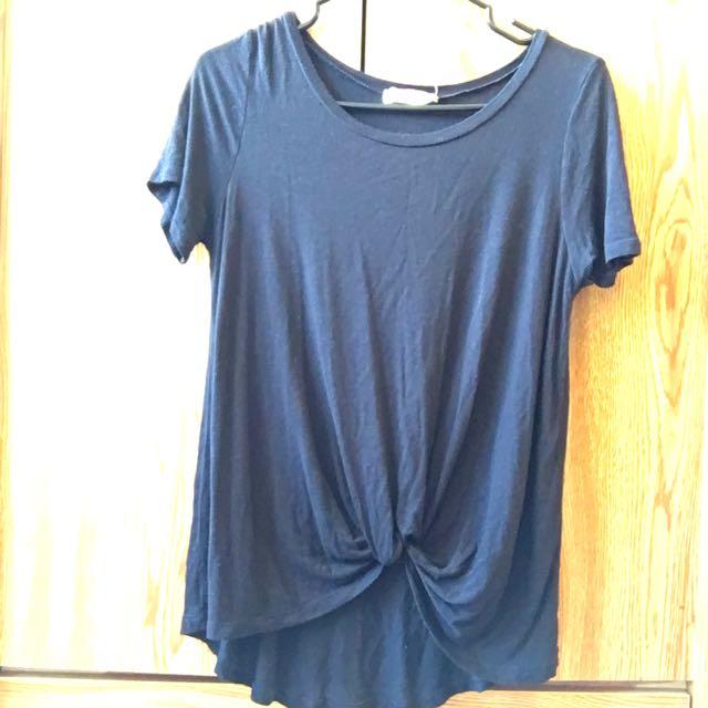 T-Shirt W/ Knot