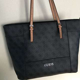 GUESS Delaney Medium Classic Tote Bag
