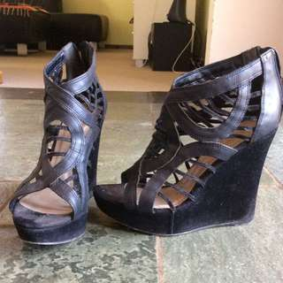 Size 7.5-8 Wedges