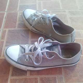 RESERVED auth converse shoes size 7