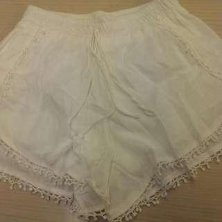 🚚 白色流蘇短褲