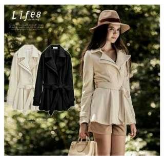 【Life8】全新 騎士風 斜拉鍊綁帶洋裝式毛尼大衣(米白S)含運