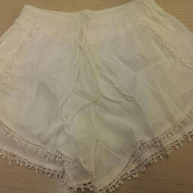 白色流蘇短褲