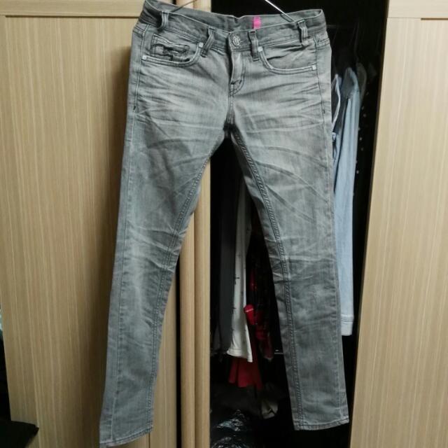 正韓 近新 超顯瘦中低腰仿舊水洗刷色小直筒褲