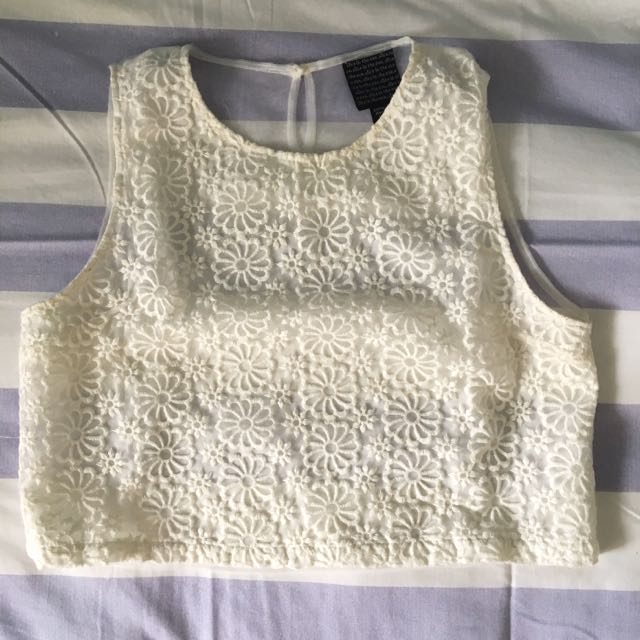 Alice In The Eve White Crop Top Daises