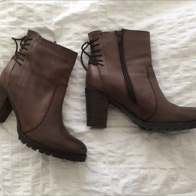 Brown Boots Size 40