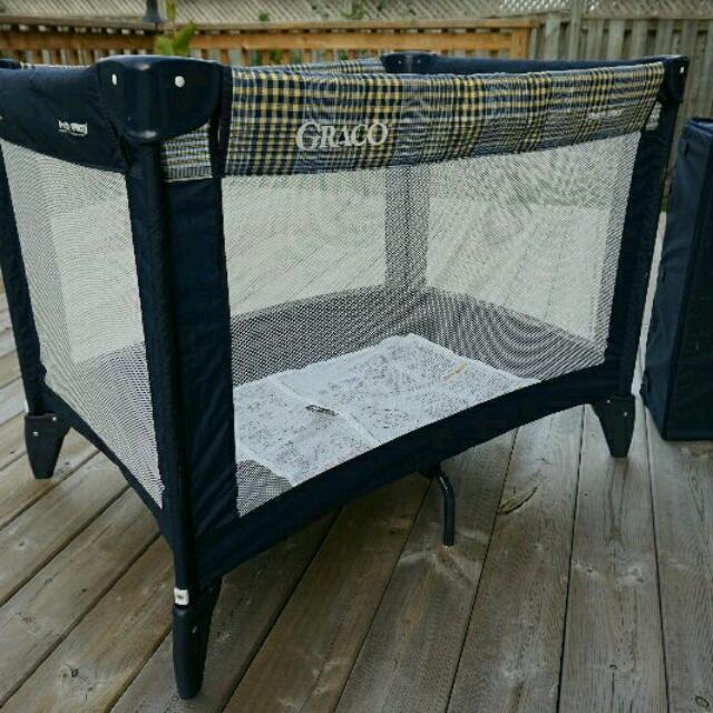 Graco Pack 'n Play On The Go Playard
