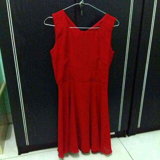 Red Simple Dress Square Neck