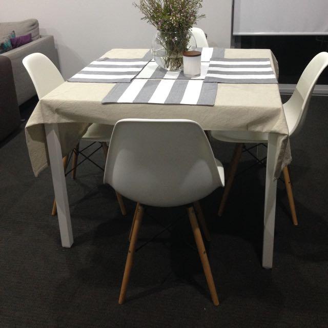 Replica Eames Chairs x4