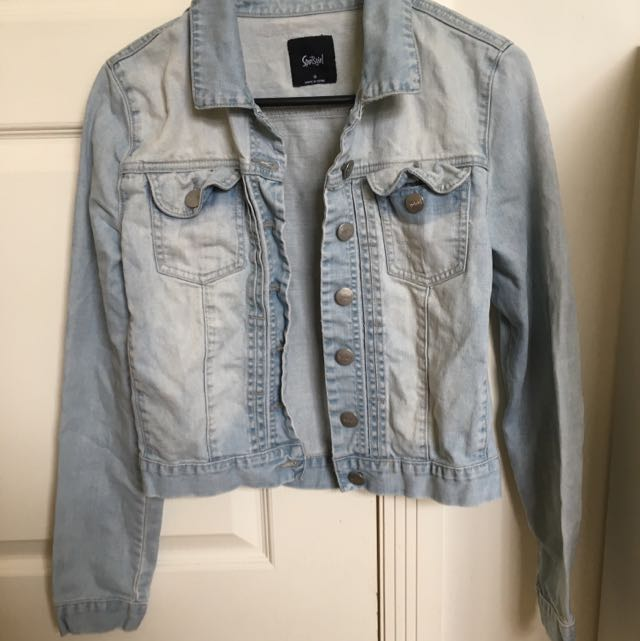 Sportsgirl Light wash Cropped Denim Jacket 6-10