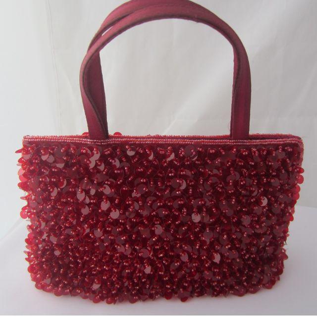 tas payet merah