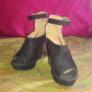 Size 8.5 Colour Block Wedged Heels
