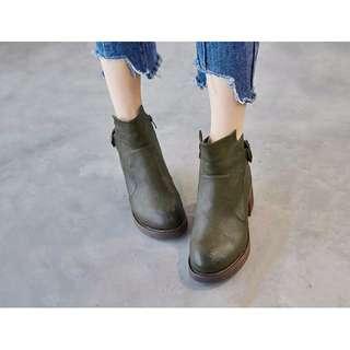 ❤LaLaNiCo❤復古英倫風✿秋冬圓頭中跟皮帶扣顯瘦馬丁靴 短靴踝靴 (黑/軍綠/棕) 34-39