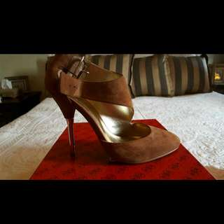 Guess Brand New SUEDE  Heels