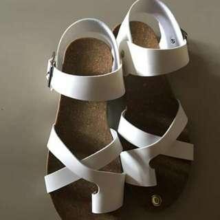 Size 9 -Flat Sandal