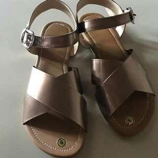 Size 9 - Flat Sandal