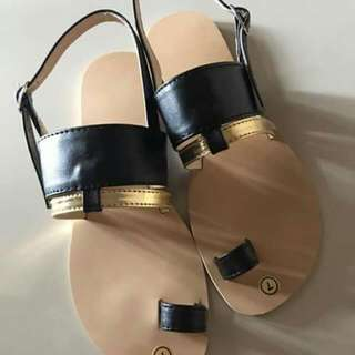 Size 7 - Flat Sandal
