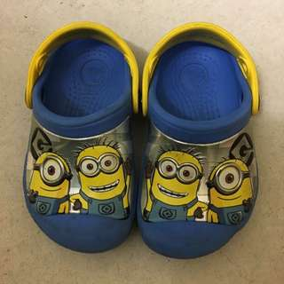 Preloved Minions crocs Size 6-7