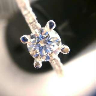 18K White Diamond Ring