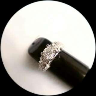 18K Round Diamond Ring