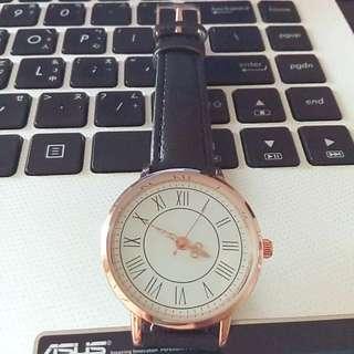羅馬數字圓框仿皮手錶