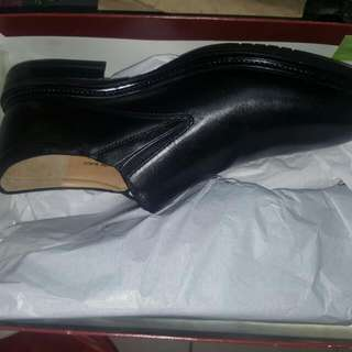 New Hush Puppies Leather Shoe