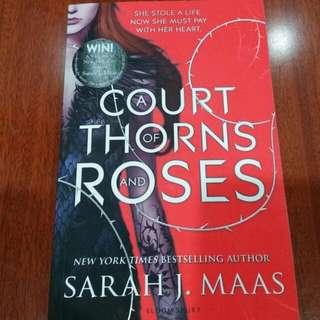 A Court of Thorns and Roses - Sarah J Maas