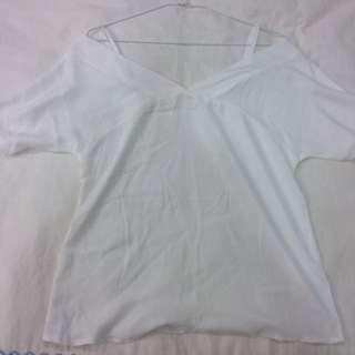 女生 Sweesa 細肩帶 露肩 白色 襯衫 上衣