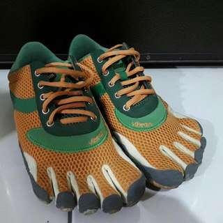 🚚 Vibram五指鞋,戶外專業,慢跑,健走活動