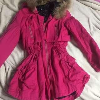 桃紅色長外套