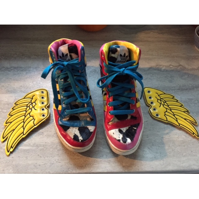 Reduced price!!  2NE1 X JEREMY SCOTT X ADIDAS ORIGINALS