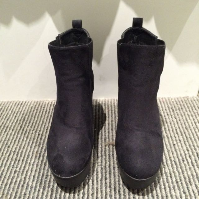 Black Boots (size 8)