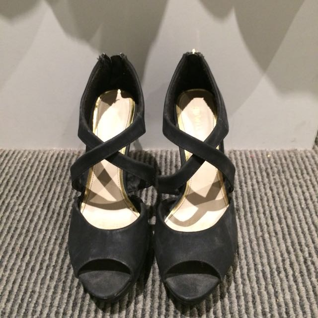 Black High Heels (size 8)