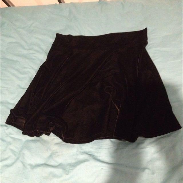 Black Velvet High Waisted Skater Skirt L
