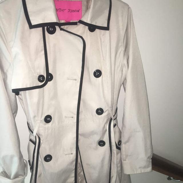 Cream And Black Piping COAT