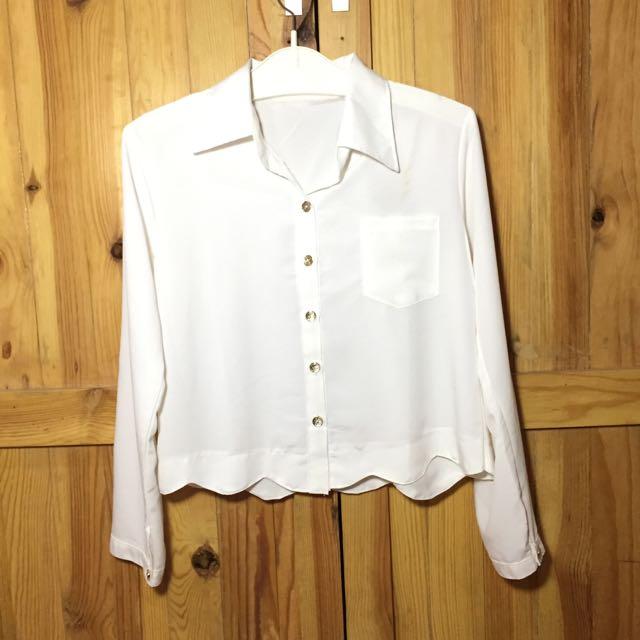 Cropped White Shirt (Kemeja Putih Lengan Panjang Crop Shirt)