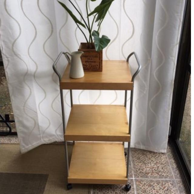 ON HOLD Dinnerware trolley / shelves / cabinet / presentation / storage