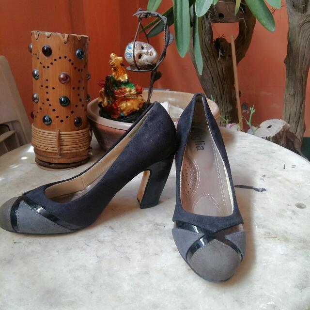 Figlia  Black Seude Heels
