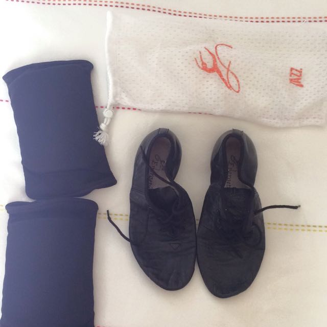 Jazz Ballet Shoes And Knee Pads